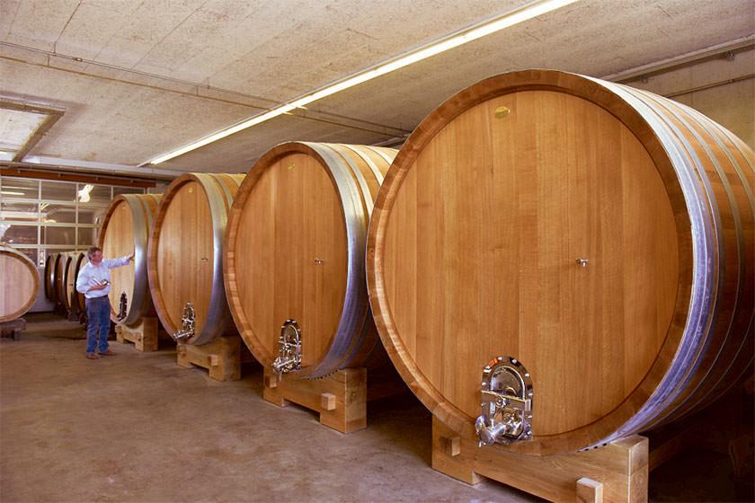 WEINKELLER –Weinfässer aus Eichenholz ©stockinger